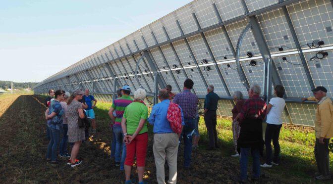ZukunftsTour 2021 – Agri-Photovoltaikanlage in Althegnenberg und Bio Hühner Legestall in Steinach